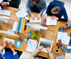 agentura vs freelancer